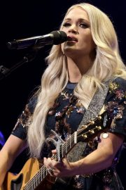 Carrie Underwood performs at the Grand Ole Opry in Nashville 2019/07/19 2