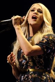 Carrie Underwood performs at the Grand Ole Opry in Nashville 2019/07/19 4