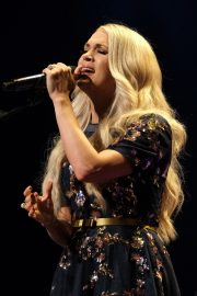 Carrie Underwood performs at the Grand Ole Opry in Nashville 2019/07/19 10