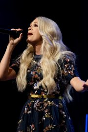 Carrie Underwood performs at the Grand Ole Opry in Nashville 2019/07/19 16