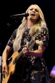 Carrie Underwood performs at the Grand Ole Opry in Nashville 2019/07/19 18