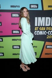 Chloe Bennet attends the #IMDboat at San Diego Comic-Con in San Diego 2019/07/19 8