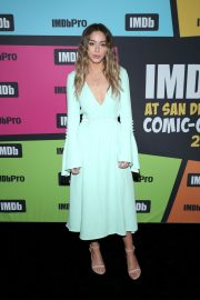 Chloe Bennet attends the #IMDboat at San Diego Comic-Con in San Diego 2019/07/19 9