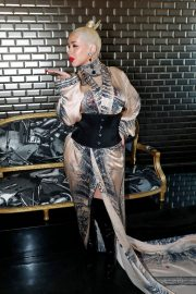 Christina Aguilera attends Jean Paul Gaultier Haute Couture Fall/Winter 2020 Show of PFW in Paris 2019/07/03 1