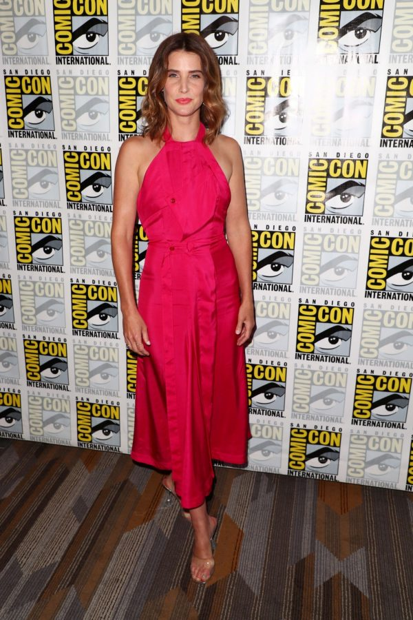 """Cobie Smulders attends ABC's """"Stumptown"""" at San Diego Comic-Con 2019/07/18 3"""