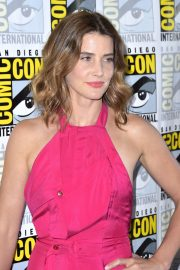"Cobie Smulders attends ABC's ""Stumptown"" at San Diego Comic-Con 2019/07/18 14"