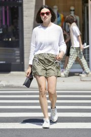 Crystal Reed flashes her legs in shorts Out in Beverly Hills 2019/07/11 5