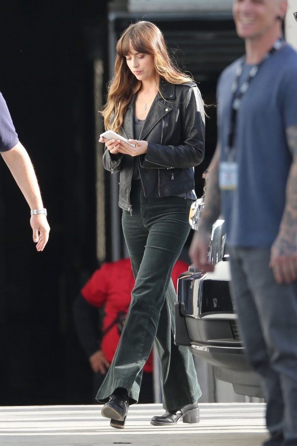 """Dakota Johnson arrives at the Microsoft Theater in Downtown for """"Covers"""" Film Scenes 2019/07/15 2"""