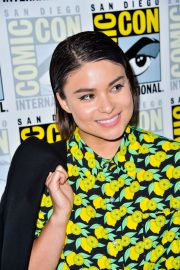 Devery Jacobs attends The Order Photocall at Comic-con International in San Diego 2019/07/18 3