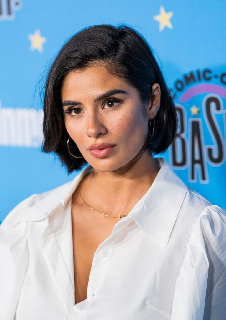 Diane Guerrero attends Entertainment Weekly Party at Comic-con in San Diego 2019/07/20 5