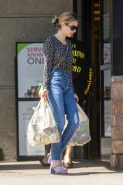 Emma Roberts Shopping at Gelson's Market for Groceries in Los Feliz 2019/07/02 6