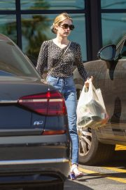 Emma Roberts Shopping at Gelson's Market for Groceries in Los Feliz 2019/07/02 8