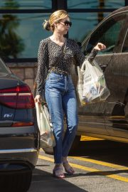 Emma Roberts Shopping at Gelson's Market for Groceries in Los Feliz 2019/07/02 9