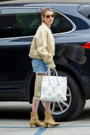 Emma Roberts Shopping Out in Los Angeles 2019/07/08 3
