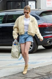 Emma Roberts Shopping Out in Los Angeles 2019/07/08 9