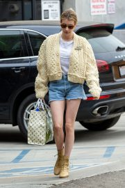 Emma Roberts Shopping Out in Los Angeles 2019/07/08 10