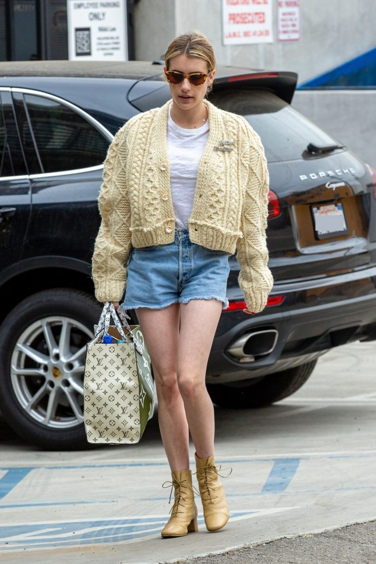 Emma Roberts Shopping Out in Los Angeles 2019/07/08 11
