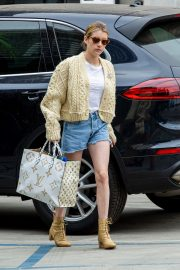 Emma Roberts Shopping Out in Los Angeles 2019/07/08 14