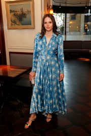 Felicity Jones attends the #MOVINGLOVE Dinner Hosted by Felicity Jones in London 2019/07/15 5