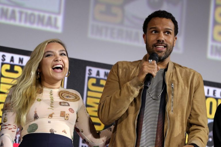 Florence Pugh and O. T. Fagbenle attend Marvel Panel at Comic-con 2019 in San Diego 2019/07/20 2