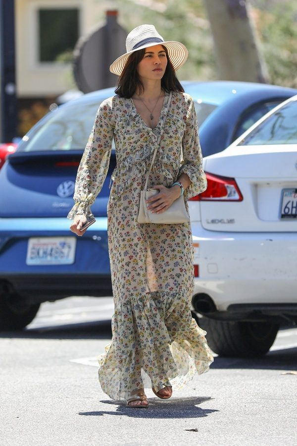 Jenna Dewan in Floral Dress Out in Beverly Hills 2019/07/01 4