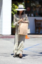 Jenna Dewan in Floral Dress Out in Beverly Hills 2019/07/01 7