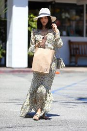 Jenna Dewan in Floral Dress Out in Beverly Hills 2019/07/01 9