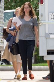 Jennifer Lawrence in Grey T-Shirt at Lila Neugebauer Project in New Orleans 2019/04/07 2