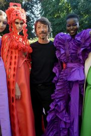 Kaia Gerber and Gigi Hadid at Haute Couture Fall/Winter of Paris Fashion Week 2019/07/03 4