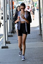 Kaia Gerber wears Black Hoodies Zipper and Shorts Tights Out in New York 2019/07/24 2