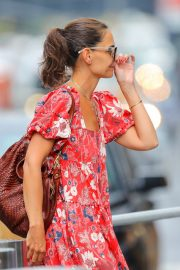 Katie Holmes wears in Red Floral Dress Out in New York 2019/07/23 3