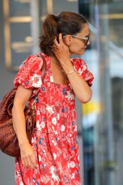 Katie Holmes wears in Red Floral Dress Out in New York 2019/07/23 5