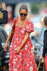 Katie Holmes wears in Red Floral Dress Out in New York 2019/07/23 6