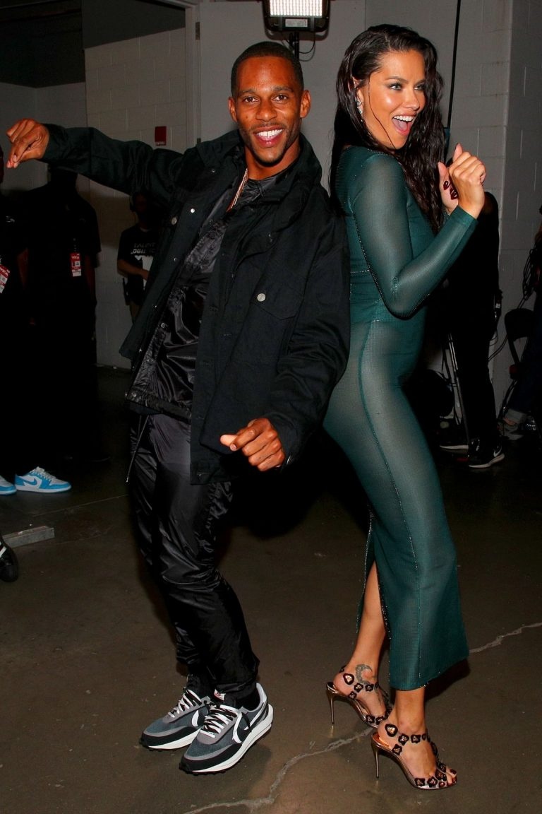 Adriana Lima and Victor Cruz 2019 MTV Video Music Awards at Prudential Center 2019/08/26 2