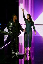 Adriana Lima and Victor Cruz 2019 MTV Video Music Awards at Prudential Center 2019/08/26 4