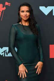 Adriana Lima attends 2019 MTV Video Music Awards at Prudential Center 2019/08/26 8