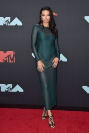 Adriana Lima attends 2019 MTV Video Music Awards at Prudential Center 2019/08/26 20