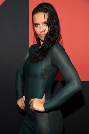 Adriana Lima attends 2019 MTV Video Music Awards at Prudential Center 2019/08/26 27