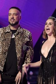 Alison Brie and French Montana at 2019 MTV Video Music Awards at Prudential Center 2019/08/26 1