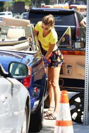 Bella Hadid in Yellow Top and Floral Print Short out in Los Angeles 2019/08/09 10