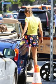 Bella Hadid in Yellow Top and Floral Print Short out in Los Angeles 2019/08/09 13