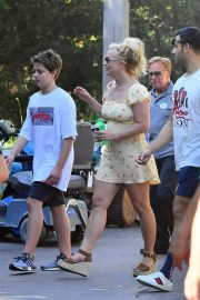 Britney Spears with her Boyfriend Sam Asghari and Kids Out in Disneyland 2019/08/04 13