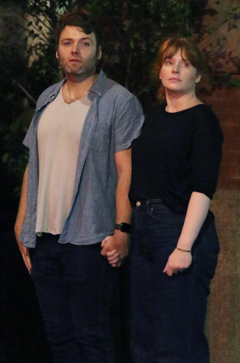 Bryce Dallas Howard with her husband Seth Gabel Night Out in New York 2019/08/14 2