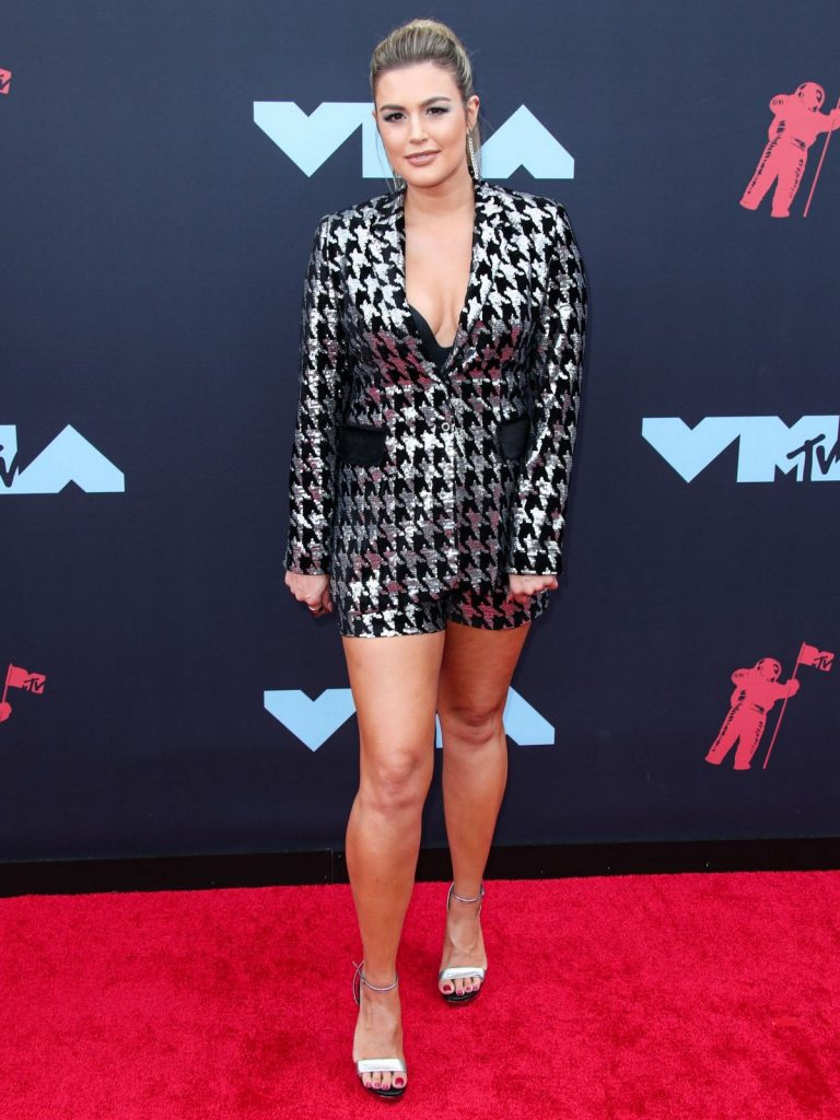 Carissa Culiner attends 2019 MTV Video Music Awards in Newark, New Jersey 2019/08/26 1