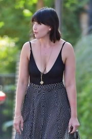 Daisy Lowe flashes her cleavage in Long Neck Top Out in London 2019/08/28 8