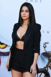 """Emeraude Toubia attends Warner Bros. """"It Chapter Two"""" Premiere at Regency Village Theatre in California 2019/08/26 4"""