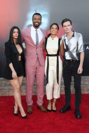 "Emeraude Toubia, Isaiah Mustafa, Alisha Wainwright & Luke Baines attends Warner Bros. ""It Chapter Two"" Premiere at Regency Village Theatre in California 2019/08/26 11"