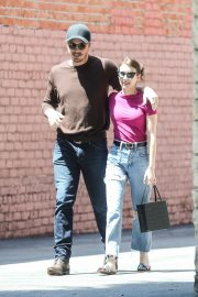 Emma Roberts and Garrett Hedlund Out in Los Feliz 2019/08/09 3