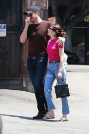 Emma Roberts and Garrett Hedlund Out in Los Feliz 2019/08/09 5