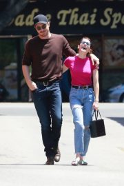 Emma Roberts and Garrett Hedlund Out in Los Feliz 2019/08/09 6
